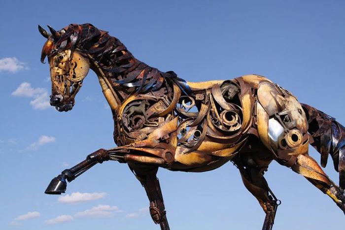 Sculpturi realizate din fier vechi (Foto)