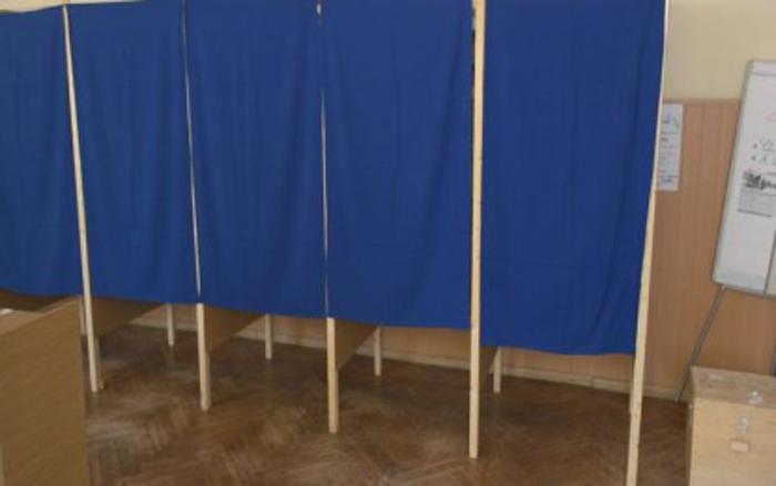 Lucrări pentru amenajarea secțiilor de votare
