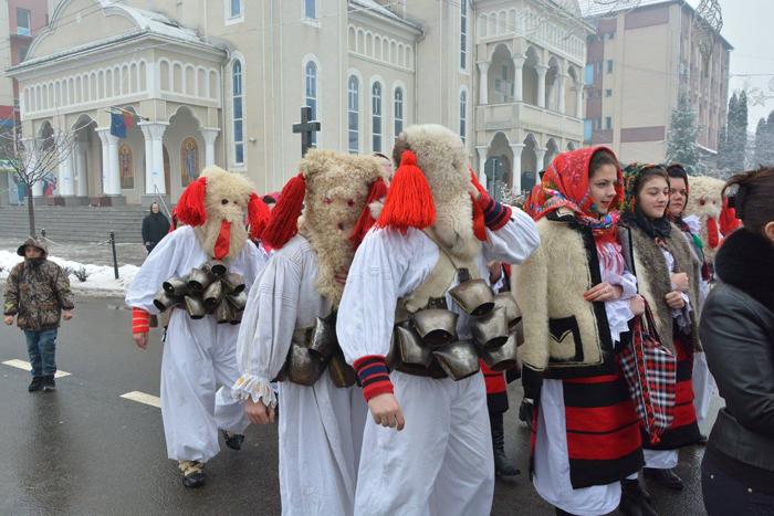 Festivalul Datinilor și Obiceiurilor de Iarnă, în a doua zi de Crăciun, la Negrești-Oaș (Foto)