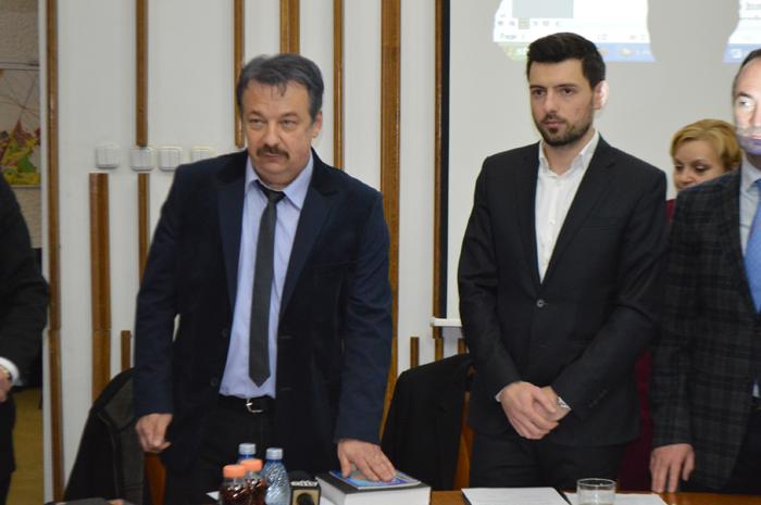 Doi consilieri municipali noi au depus jurământul. Cine sunt aceștia