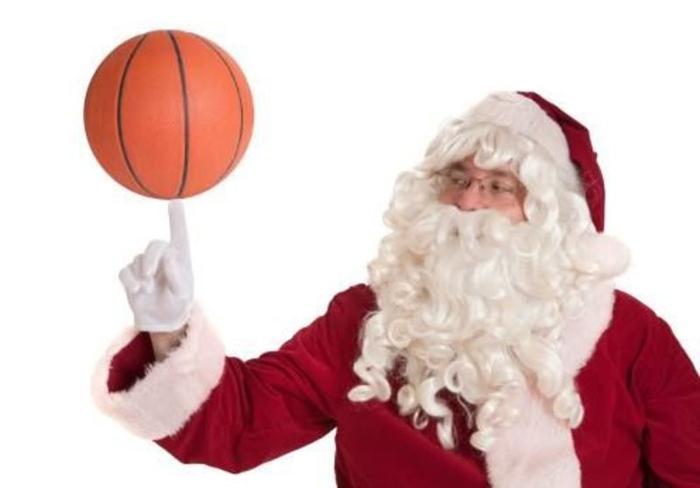 Moș Crăciun vine la Academia Baschet Club Magic