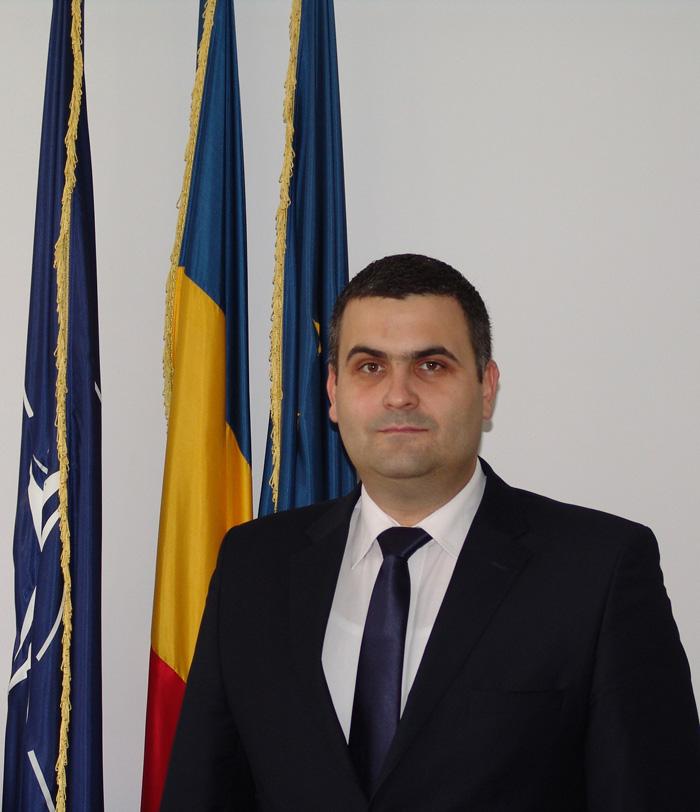 """Mesajul ministrului Apararii Nationale Gabriel Les: """"1 Decembrie – Ziua de suflet a tuturor românilor"""""""