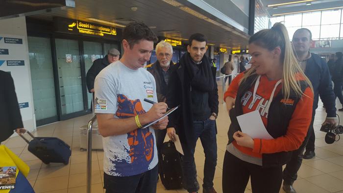 Mani Gyenes a ajuns în România (Foto)
