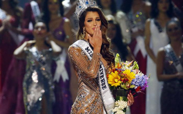 Iris Mittenaere a fost aleasă Miss Univers. Cum arată cea mai frumoasă femeie din lume (Foto&video)
