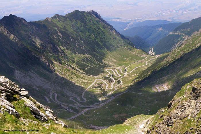 Un drum din România, printre cele mai periculoase din lume