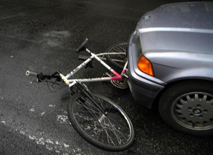 Accident în Satu Mare. Biciclistă rănită grav
