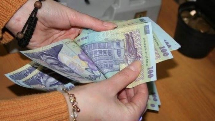 Salariul minim brut creşte la 1.450 lei de la 1 februarie