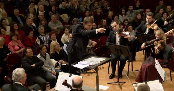"""Cum să transformi obișnuitul în extraordinar ? Vezi prestația Filarmonicii """"Transilvania"""" (Video)"""