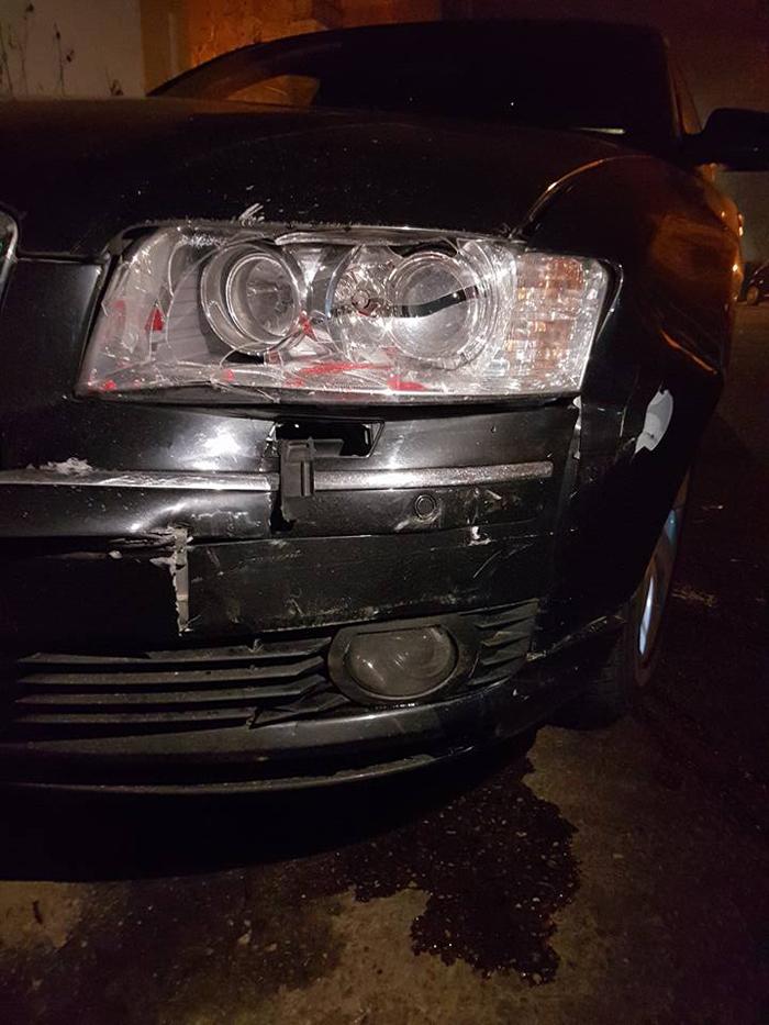 Mașină distrusă într-o parcare din Satu Mare. Șoferul vinovat a fugit de la locul accidentului (Foto)