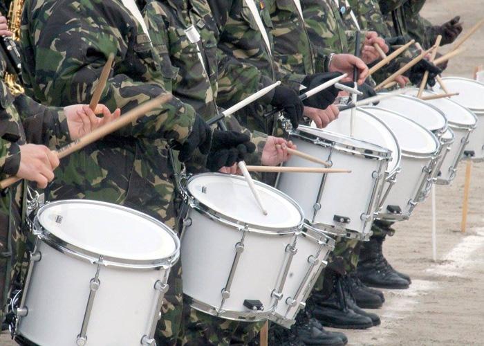 Armata recrutează tineri pentru școlile militare