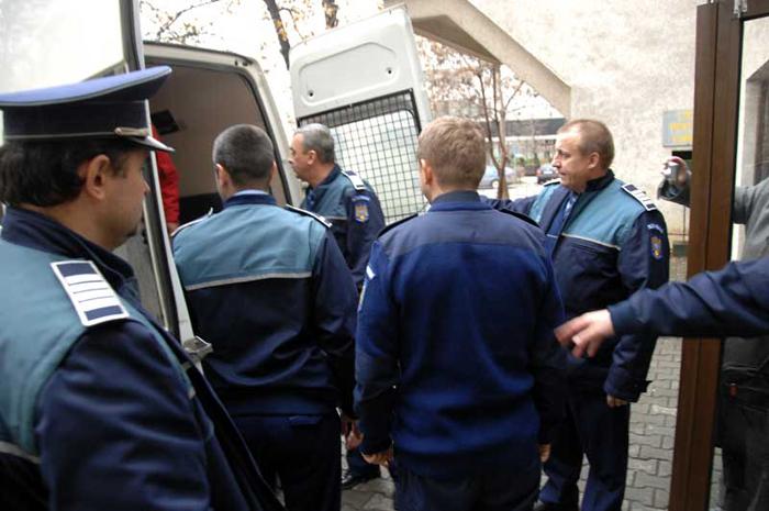 Polițistul Vasile Man vrea în libertate. A contestat decizia instanței
