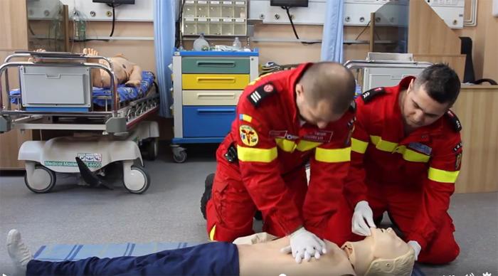 Cum se face resuscitarea cardio-respiratorie ? Sunt pași simpli, care pot salva o viață (Video)