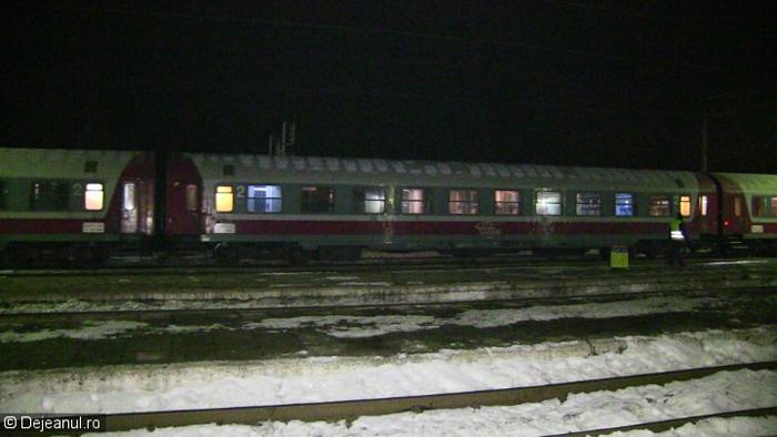 Călătorii trenului București-Satu Mare, pauză forțată în Gara Dej. Vezi motivul (Video)