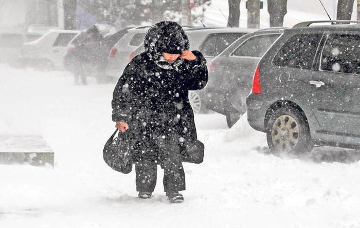 Viscol și polei în toată țara. Ce spun meteorologii