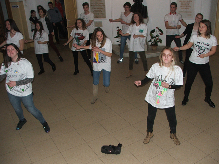 "Flashmob la Colegiul Național ""Mihai Eminescu"" (Foto)"