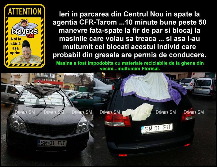 """Mașină """"împodobită"""" cu gunoi, în centrul municipiului Satu Mare (Foto)"""
