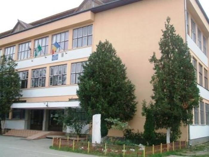 """Școala """"Octavian Goga"""", la 45 de ani de existență (Foto)"""
