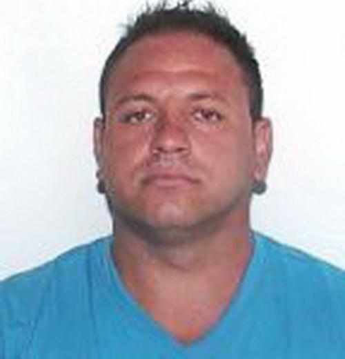 Ucigașul din Oradea a fost localizat. Individul a sărit de la etajul 4 și a murit