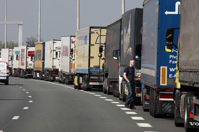 Restricţii de trafic pentru TIR-uri pe teritoriul Ungariei