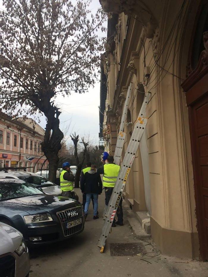 """Kereskenyi Gabor: """"Orașul este împânzit de cabluri atârnate !"""" (Foto)"""