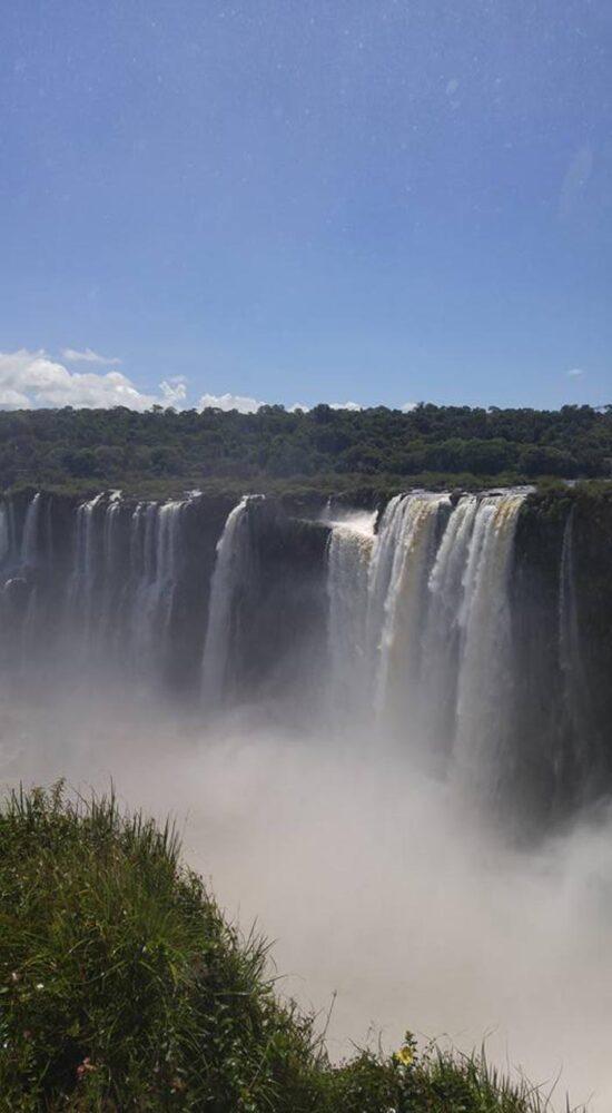 """Sătmăreni în lumea largă: """"Am ajuns în Argentina, la cascada Iguazu"""" (Foto)"""