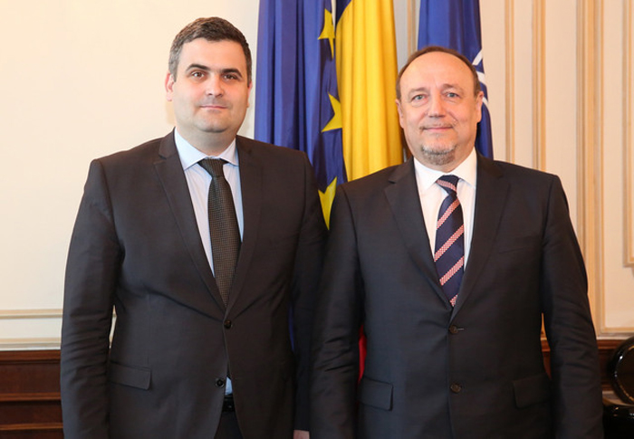 Întâlnirea ministrului Apărării Naționale cu ambasadorul Croaţiei la Bucureşti