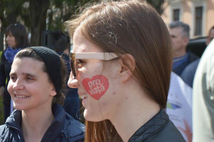 Sute de sătmăreni au mărșăluit pe străzile orașului. Vezi de ce au ieșit în stradă (Galerie foto&video)