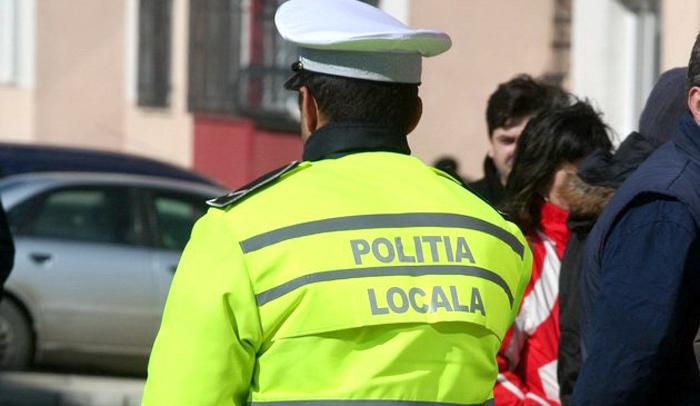 Un polițist local a leșinat pe stradă