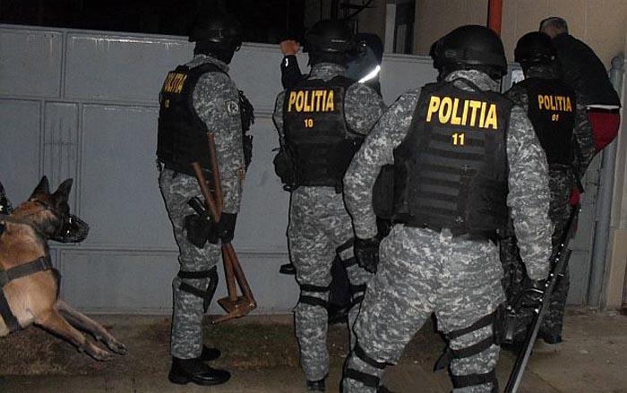 Polițiștii sătmăreni, buni de plată. Trebuie să achite 36.000 de euro unei familii de romi