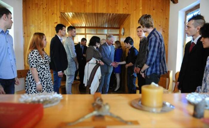 Prințul Charles s-a întâlnit cu tineri din Satu Mare. Despre ce au discutat