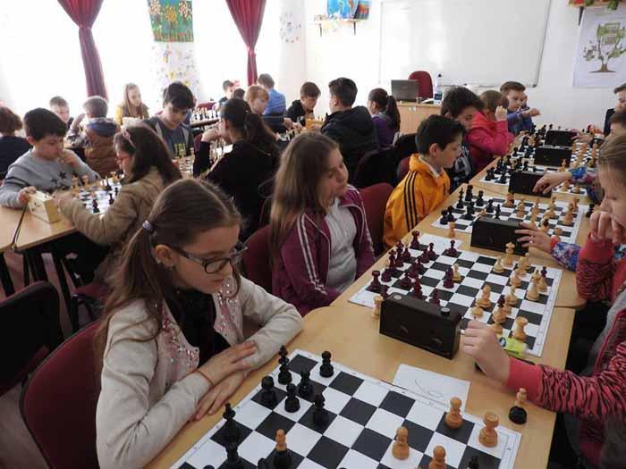 Concurs de șah pentru copii (Foto)