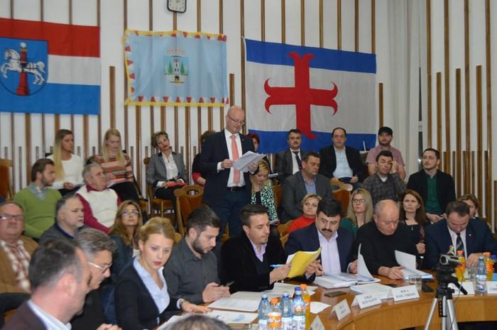 Consilierii municipali se întrunesc marți în ședință extraordinară. Vezi ordinea de zi