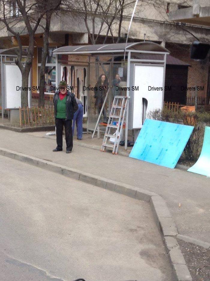 """Stații de autobuz distruse: """"Degeaba modernizăm, dacă nu educăm !!!"""" (Foto)"""