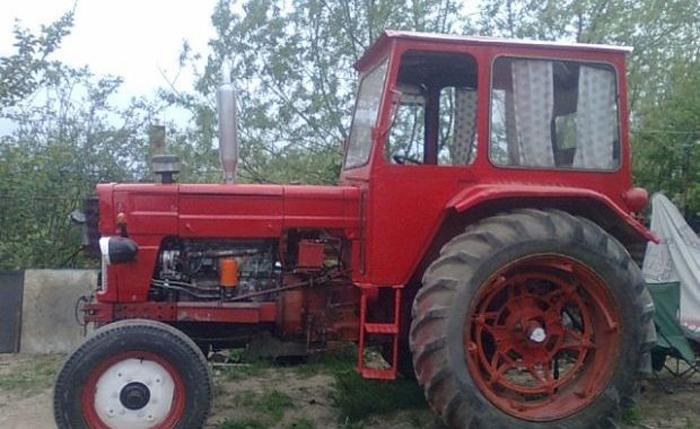 Tractorist, bun de plată. De ce l-au amendat polițiștii