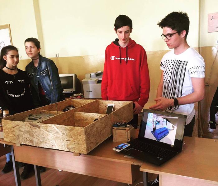 Târg de Științe la un liceu din Satu Mare. Ce proiecte au elevii