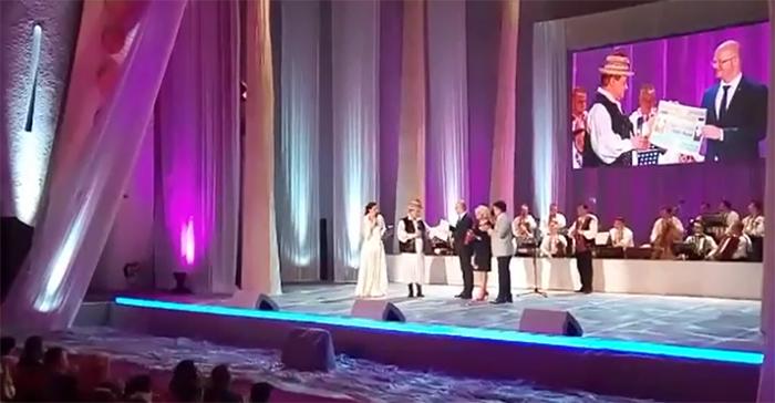 """Nicolae Mureșan a primit titlul de """"Cetățean de onoare"""" al municipiului Satu Mare (Video)"""