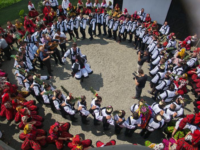 Ritualul nunții oșenești este recreat în Muzeul Țării Oașului