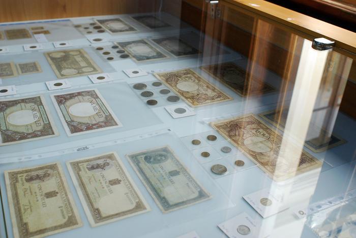 Expoziție de bancnote la Castelul Karolyi (Foto)