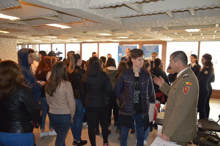 20 de angajatori și-au anunțat prezența la Bursa locurilor de muncă