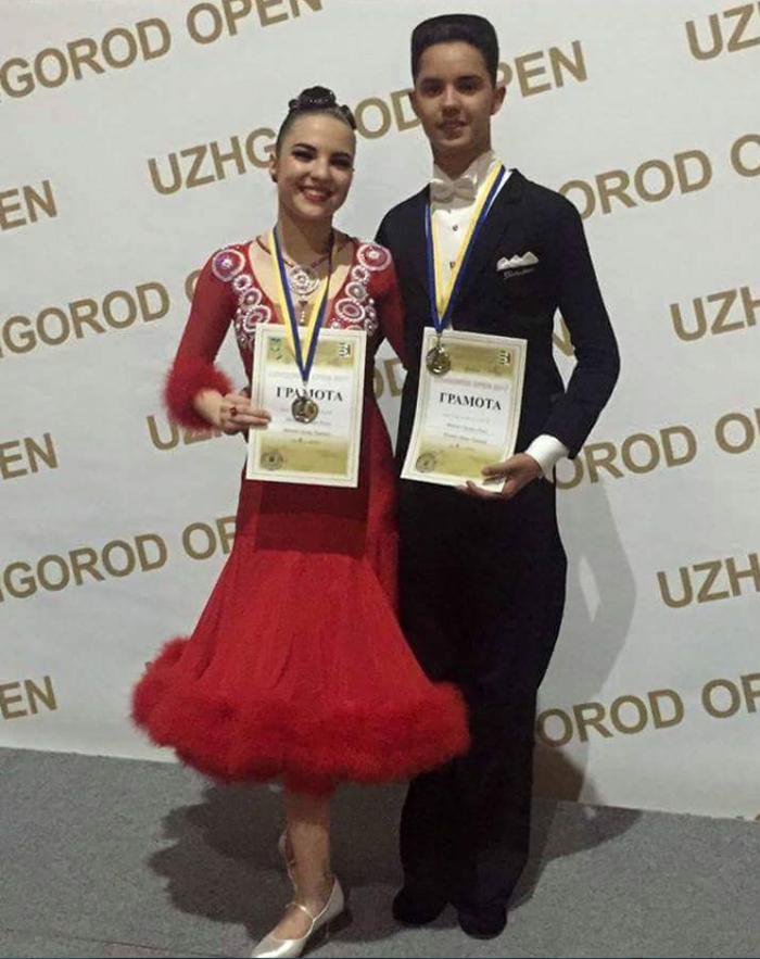 """Două medalii pentru """"Royal Dance"""" la competițiile din week-end (Foto)"""
