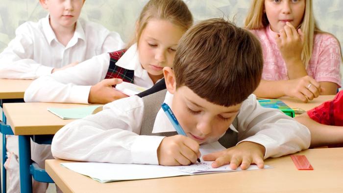 A început Evaluarea Națională la clasa a II-a