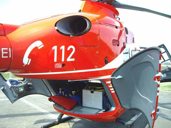 Bebeluș cu arsuri grave, transportat cu elicopterul la București