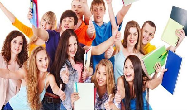 """Vrei să studiezi în țară sau în strănătate? Vezi ce oferte sunt la """"UniversiDay"""" Satu Mare"""