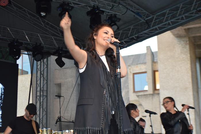 Andra, aplaudată de mii de sătmăreni. Concert de zile mari la Satu Mare (Foto&video)