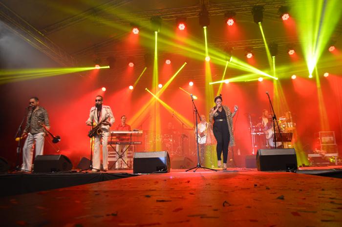 """Atmosferă old school la Satu Mare. """"Sounds of Boney M"""" a făcut spectacol de zile mari (Foto&video)"""