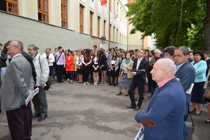 """Colegiul Național """"Mihai Eminescu"""" la ceas de sărbătoare (Foto)"""