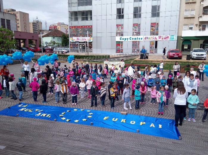 Flashmob cu copii în Centrul Nou (Foto&video)