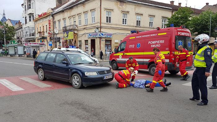 Accident grav lângă Casa de Modă. Femeie lovită pe trecerea de pietoni (Foto)