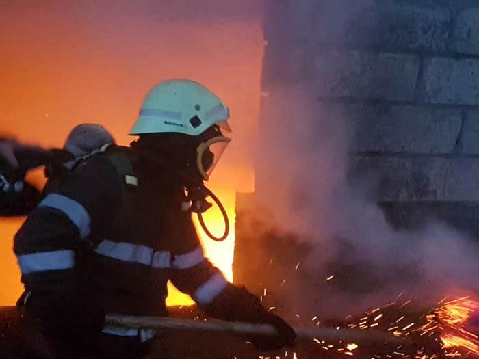 Două incendii în județ. Pompierii au intervenit de urgență (Foto)