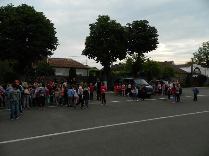 Bucurie şi zâmbete de copii la sediul Jandarmeriei Satu Mare